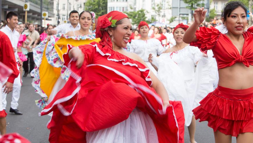 Umzugsgruppe: Grupo Peru