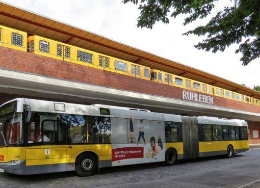 Bus M45 am Bhf. Ruhleben