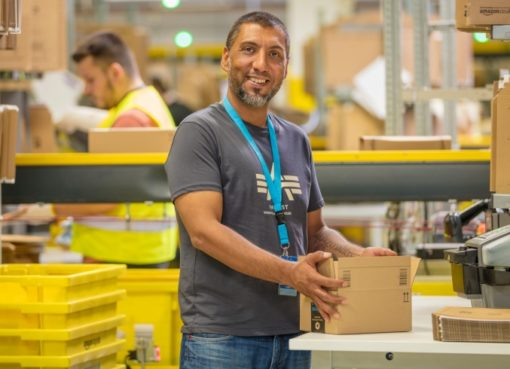 Mitarbeiter bei Amazon Brieselang