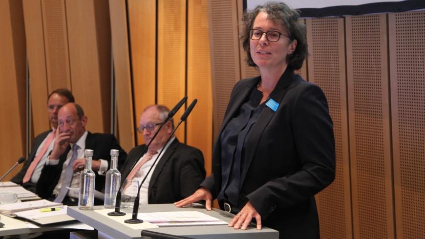 Dr. Beatrice Kramm