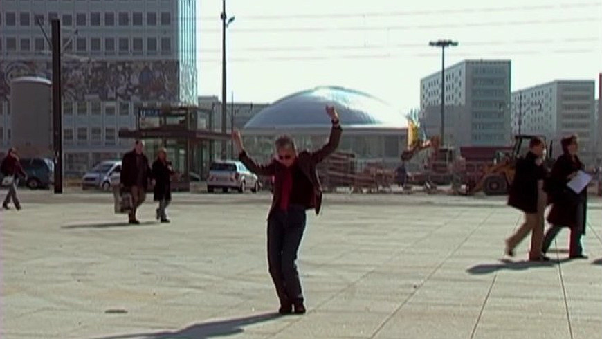 Adrian Piper moves to Berlin - Filmstil Vimeo-Video, MoMA - The Museum of Modern Art