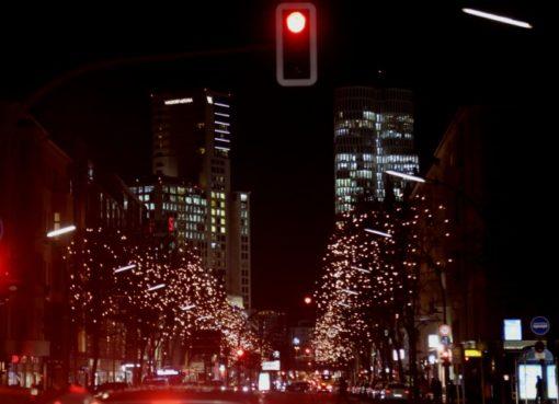 Kantstraße in der Nacht