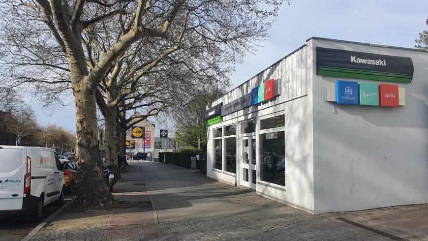 Großflächiger Einzelhandel, Gewerbe und Kraftfahrzeuggewerbe am Fürstenbrunner Weg - Foto: Angar Gusy