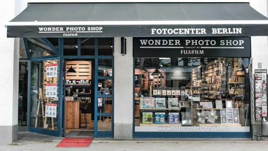 Wonder Photo Shop in Berlin: neueste Trends und kreative  Fotoprodukte aus dem FUJIFILM Sortiment - Foto: FUJIFILM Imaging  Systems