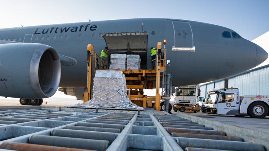 Airbus A310 MRTT bringt 80 Beatmungsgeräte von Köln nach Brasilien