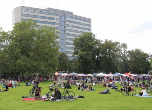 Preußenpark mit Thaimarkt